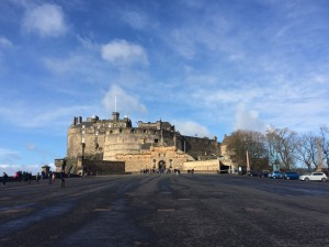 Edinburgh Castle was the most impressive castle we had visited so far. Its history and archtecture really suit for the capital of Scotland.
